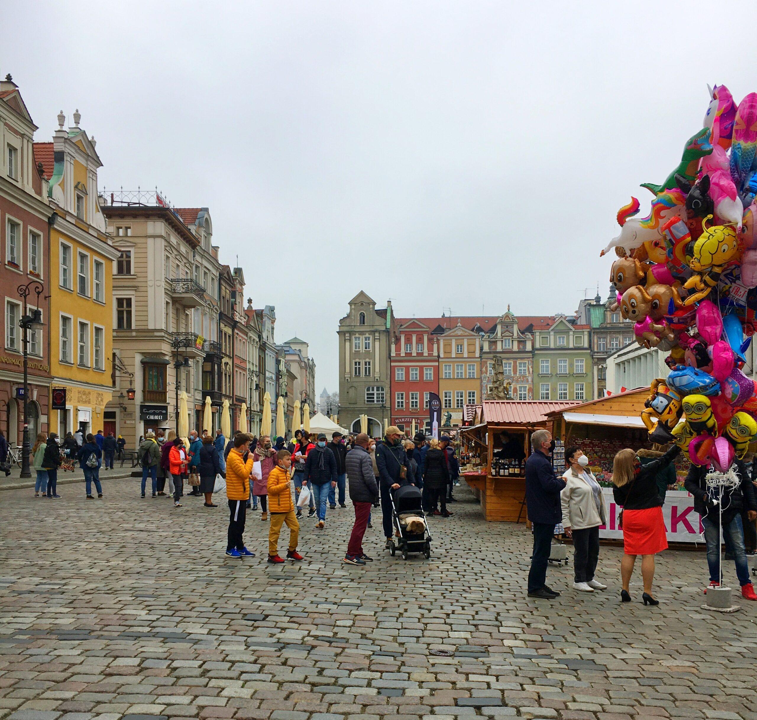 Kiermasz na Starym Rynku: Majówka 2021 w Poznaniu